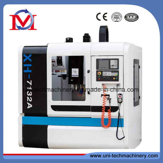 Taiwan Linear Guide Way Siemens Controller CNC Vertical Machining Center (XH7132A)