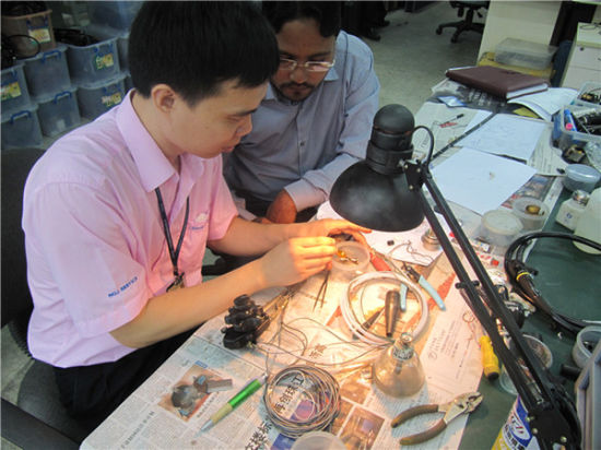 One-on-One Medical Device Surgical Power Tools Repair Training pictures & photos