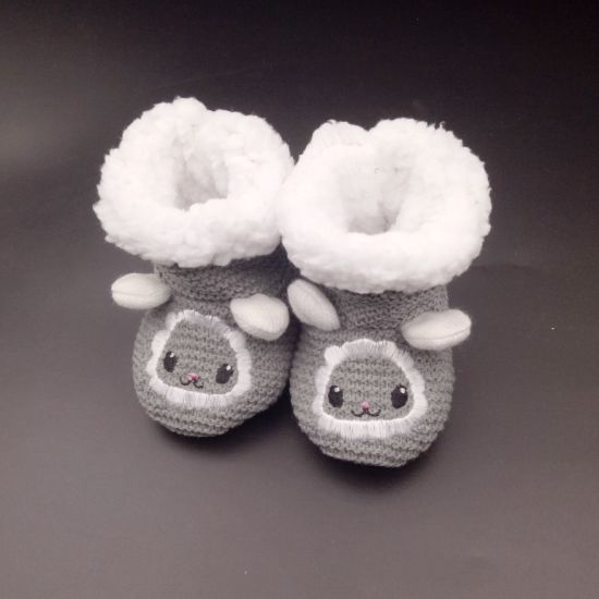 5eed71f2b China Factory-Direct Selling Crochet Cartoon Pattern Baby Shoes ...