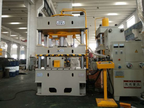 China Four 4 Column Hydraulic Oil Press Machine - China