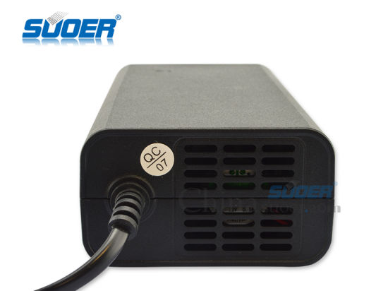 Suoer 10A Hot Sale Battery Charger 12V Power Battery Charger with Three-Phase Charging Mode (SON-1210) pictures & photos