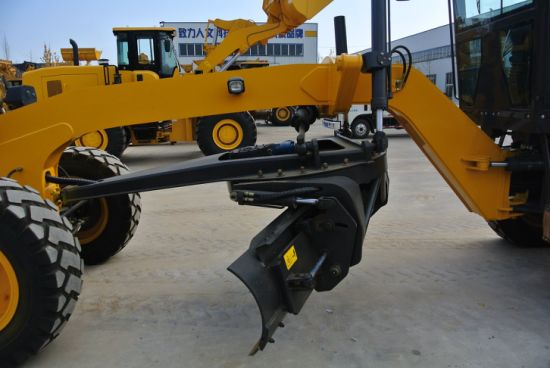 Eougem Gr120 Motor Grader with Back Ripper and Front Blade pictures & photos
