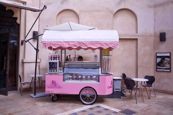 Hot Selling Good Design Ice Cream Trucks Mobile Food Cart pictures & photos