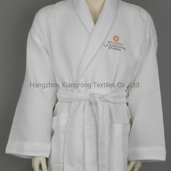 65% Polyester 35% Cotton Waffle Fabric Shawl Collar Hotel Bathrobe pictures & photos