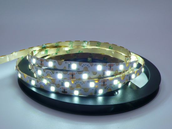 "12V 22-24lm 60LEDs/M SMD2835 Cool White ""S"" Shape LED Light Strips pictures & photos"