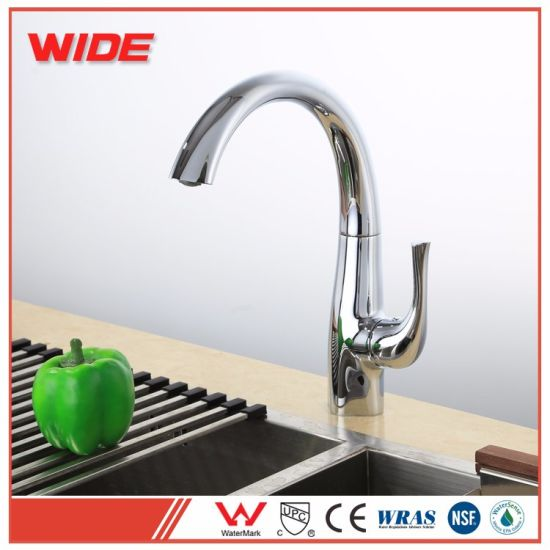 New Design NSF Certificated Spray Kitchen Faucet with Good Price pictures & photos