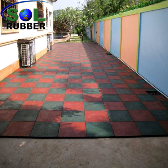 Ce High Quality Gym Outdoor Rubber Flooring Tiles pictures & photos