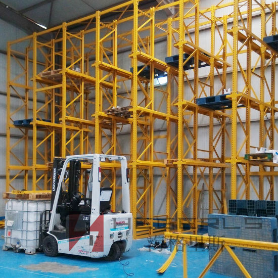 Drive-in/Drive-Through Heavy Duty Warehouse Storage Racking pictures & photos