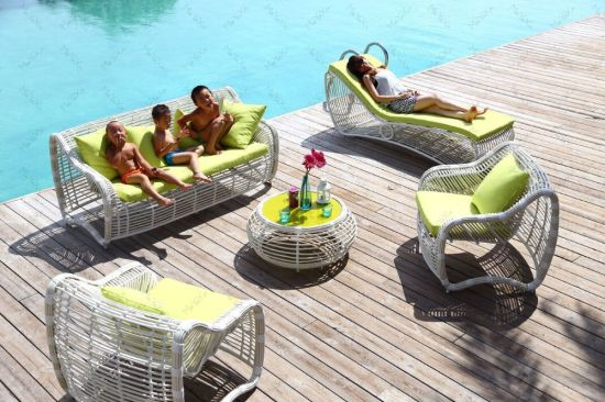 Myx-15001 Apple High Quality Outdoor Rattan Furniture White Garden Sofa