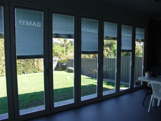 Motorized Mini Blinds in Between Double Glass Vertical Blinds Window Blinds Aluminum Blinds pictures & photos