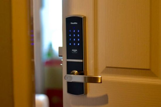 Family Password Electronic Door Lock pictures & photos