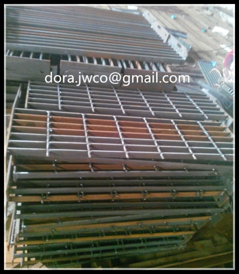 Spiral Staircase Metal/ ISO Serrated Stair Treads Grating
