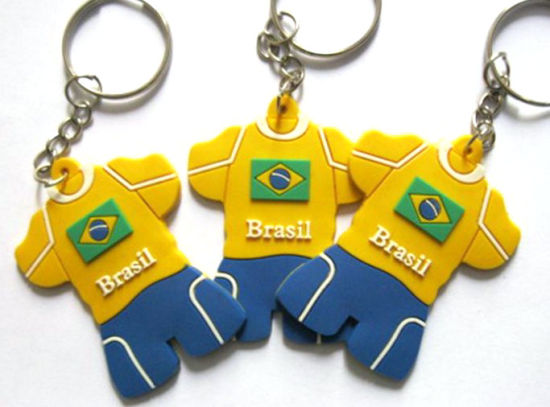 Wholesale Custom Soccer Ball Keychains pictures & photos