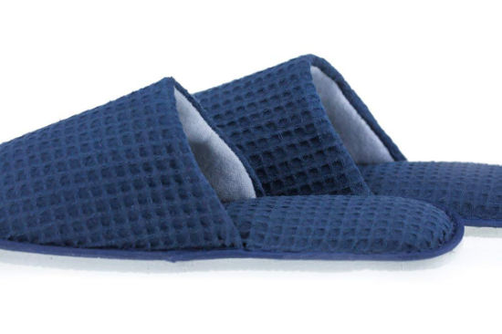 Soft Dark Blue Warm Waffle with Embroidery Logo Disposable Hotel Slipper to Germary