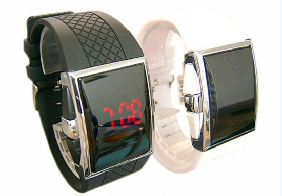 2020 New Design Promotional LED Digital Watch pictures & photos