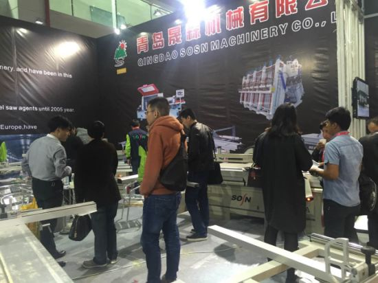 Wood Cutting Panel Saw Machine with Sliding Table pictures & photos