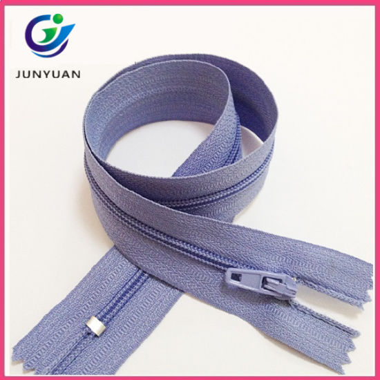Closed-End Nylon Zipper with Standard Puller