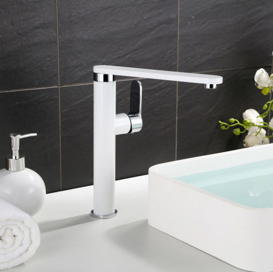360-Degree Single Lever Swivel Kitchen Sink Tap pictures & photos