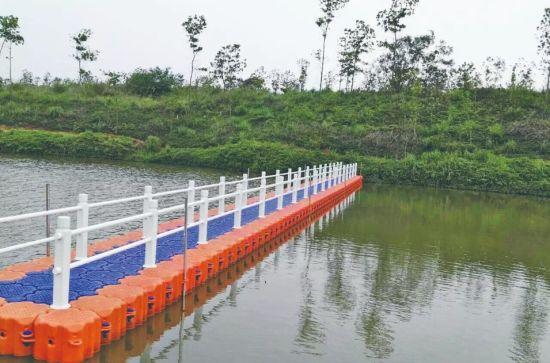 New Floating Pontoon Dock HDPE Bridge Boat Solid Dock Platform/ Pontoon Cubes