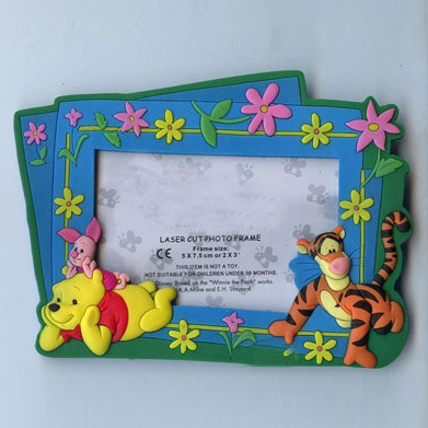High Quality Plastic Gift Promotional 3D OEM PVC Cartoon Photo Frame (PF-016) pictures & photos