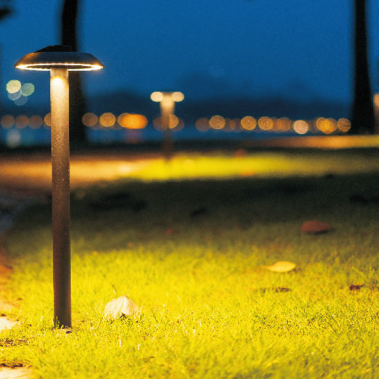 All Aluminum Waterproof IP65 Warm White Connectable European Style LED Lawn Lighting