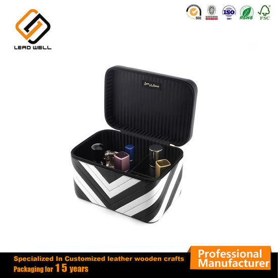Luxury Cosmetic Bags Cases Makeup Kit Empty Travel Case Box pictures    photos 2a22b636b2a7d