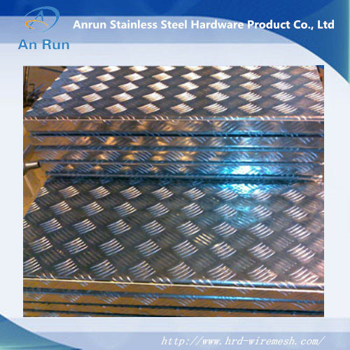 Aluminum Perforated Plate for Anti Slip Stairs pictures & photos