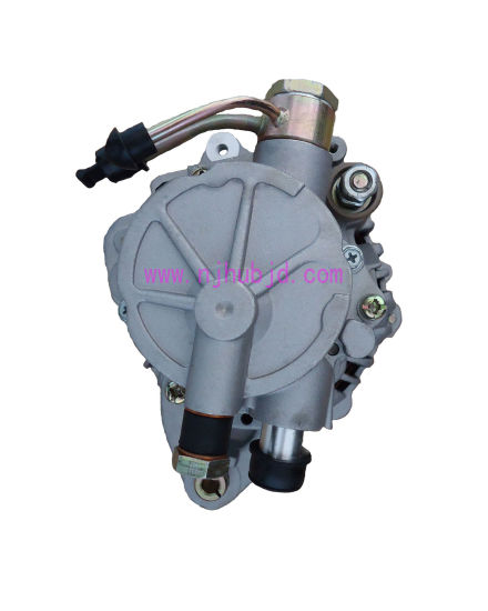 Auto Alternator with Pump A3to8183 4D56 pictures & photos