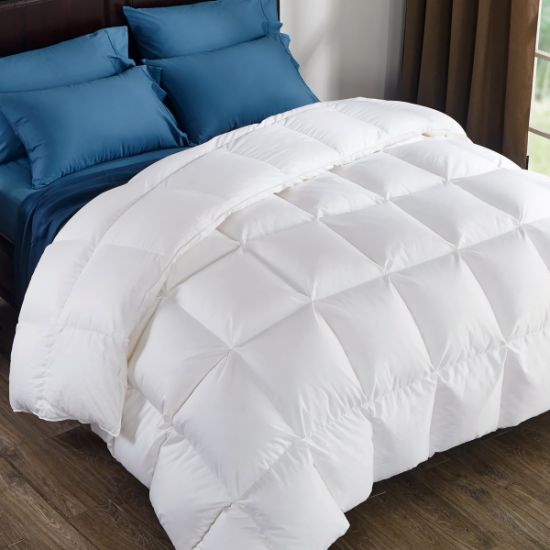 800 Fill Power White Goose Down Comforter Duvet pictures & photos