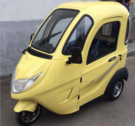 Electric Tricycle with Windshield Covered for Elderly Passenger