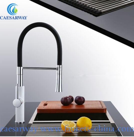New Arrival Single Handle Deck Mounted Pull out Kitchen Sink Faucet pictures & photos