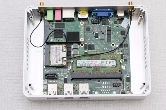 Embedded Mini Computer I3 5005u Windows 10 PRO Barebone PC Linux Compatiable 8g VGA pictures & photos