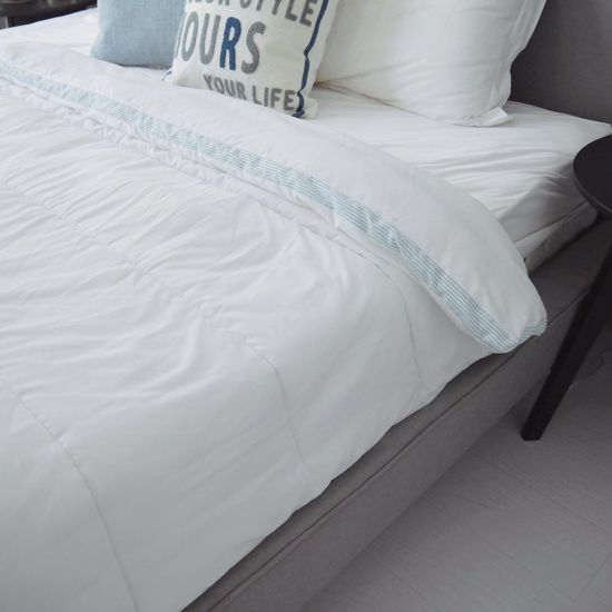 Home Hotel Hydrophilic Top Cool Microfiber Polyester Quilts Comforters