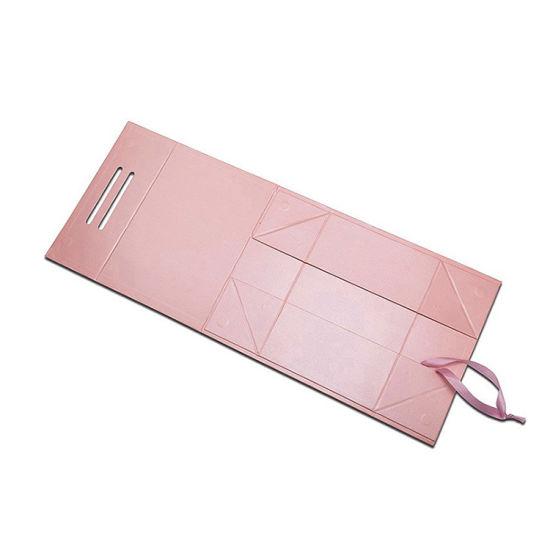 China Fancy Big 8X10 Folding Cosmetic Gift Set Packaging
