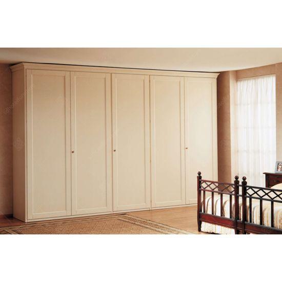 Luxury Classic Hotel Bedroom Design with Wooden Wardrobe