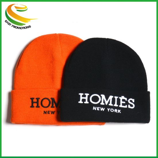 Custom Adult Winter Knitted Beanie Caps with 3D Embroidery pictures & photos