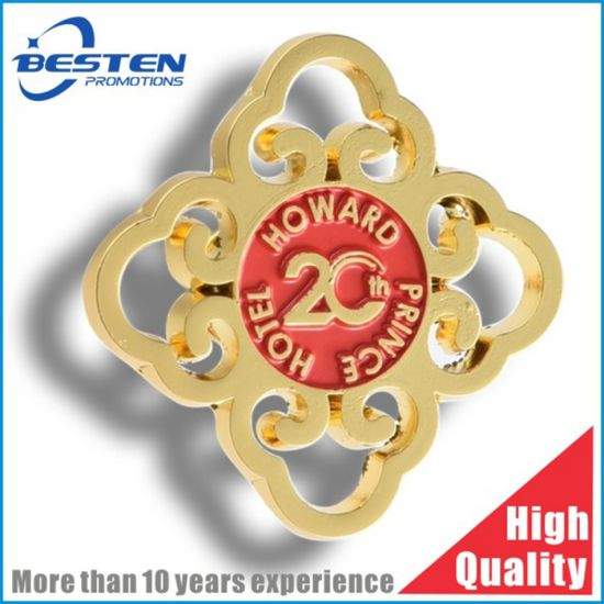 High Quality Zinc Alloy Die Casting Soft Enamel Gold School Police Badge Lapel Pin pictures & photos