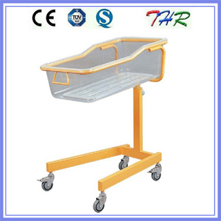 Colored Steel Tube Baby Bassinet Bed (THR-RB03) pictures & photos