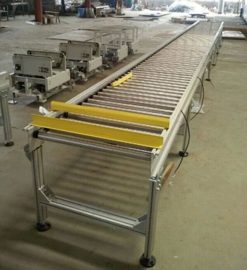 Power Sprocket Roller Conveyor System pictures & photos