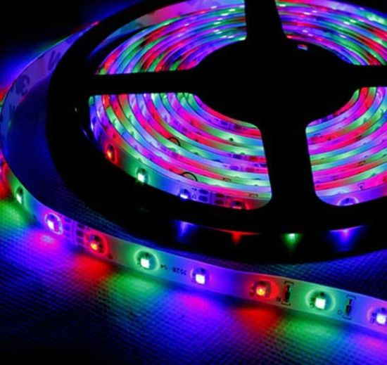 3chip 5050 SMD LED Flexible Strip Light pictures & photos