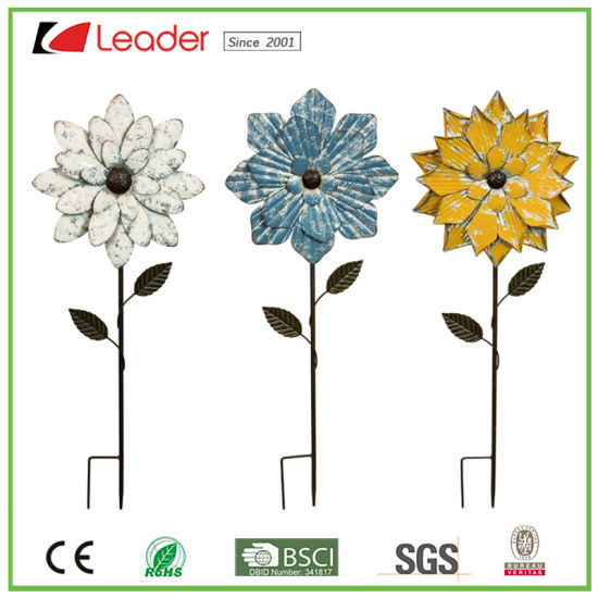 China Most Popular Decorative Metal Flower Garden Stake Statue For
