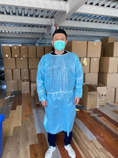Factory Direct Supply Low Price Fast Delivery Ce Certified and FDA Regisitered Good Quality Pet+PA Surgical Gown