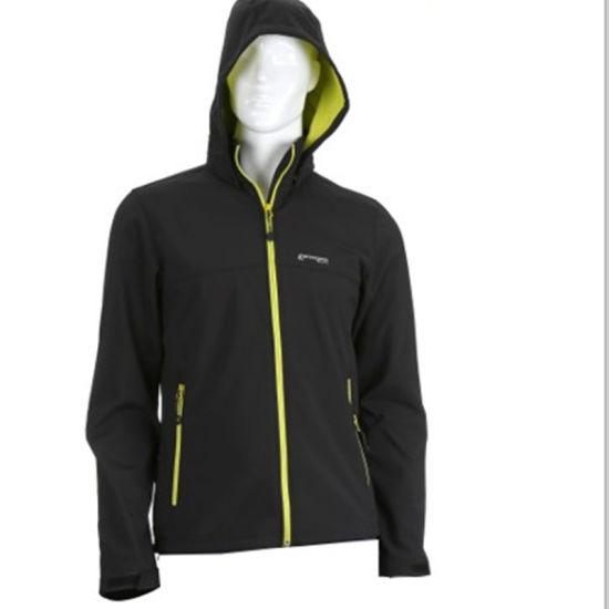 Latest Customized Windbreaker Outdoor Men' S Hooded Jacket in Winter, Outer Wear Polyester Padded Jacket