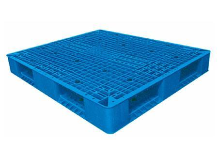 Mesh Design Three Runners Plastic Pallets Standard Size pictures & photos