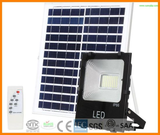 100W IP66 5054 Solar LED Flood Light with PIR Sensor pictures & photos