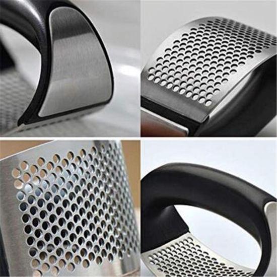 China Kitchen Accessories New Design Black Garlic Press Garlic Peeler Set Stainless Steel China Peeler Set And Garlic Presses Price