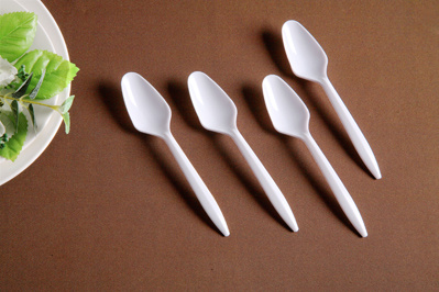 100% Pure PS Plastic Disposable Cake Spork pictures & photos