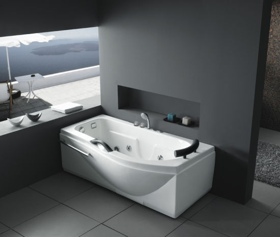 Merveilleux Corner Small Size Jacuzzi Bathtub (M 8108 R/L)