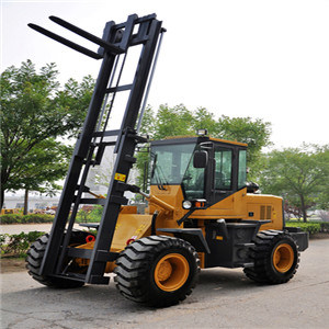 Yineng 2 Ton off-Road Forklift Yn625 pictures & photos