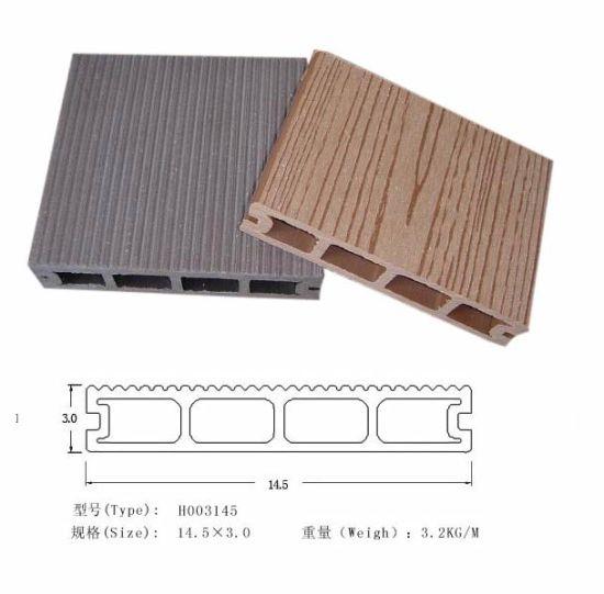 Eco-Friendly Long Warranty WPC Decking Flooring (HO03145)